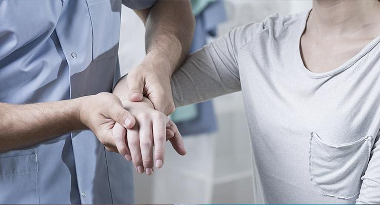 Что делать при растяжении связок кисти руки